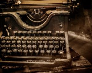 Old-rusty-typewriter